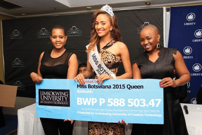 Photo of Miss Botswana Prizes Handed Over