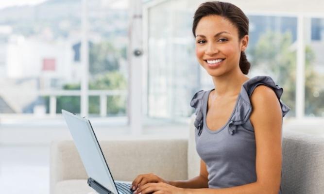 woman-investor-computer