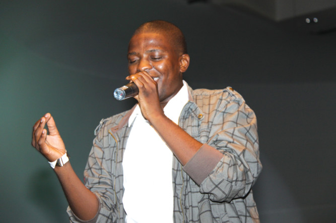Photo of Watch Video As Zeus Murders Casper Nyovest In A Freestyle Contest