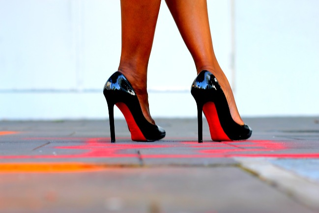6dbb290ba6f 10 Tips To Confidently Walk In High Heels - Botswana Youth Magazine %
