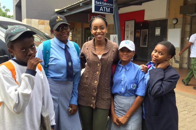 Photo of Thata Kenosi Works With Children For Her Beauty With A Purpose Project.