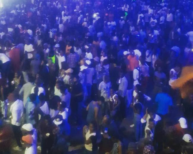 Photo of Vee Fills Up Stanbic Bank Piazza!!