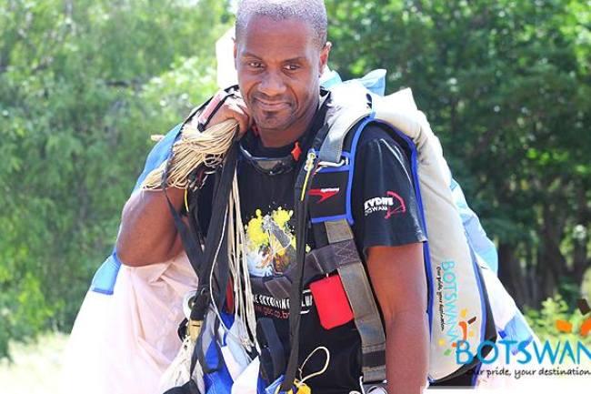 Photo of Parachute Association of Botswana's Garai Makaya Loses His Life Skydiving In SA