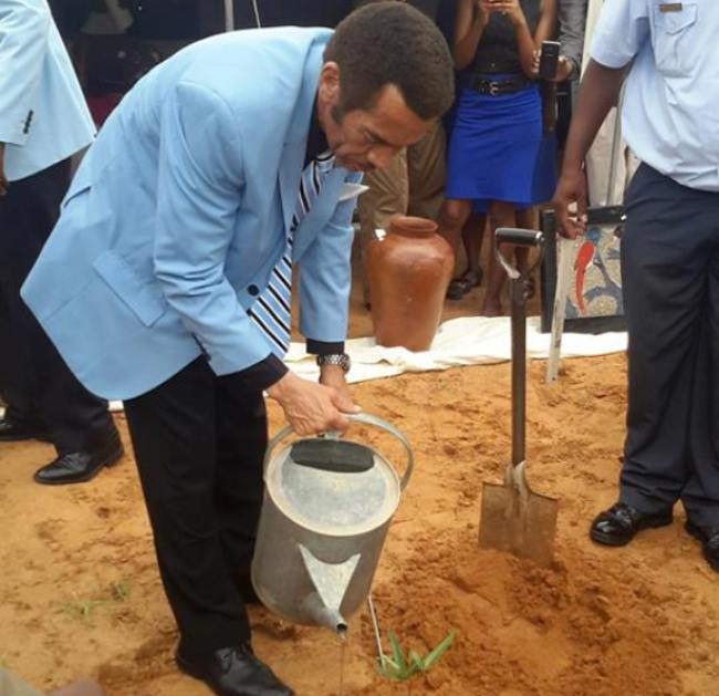 Photo of President Khama Calls On The Nation To Give Thanks For The Recent Rains
