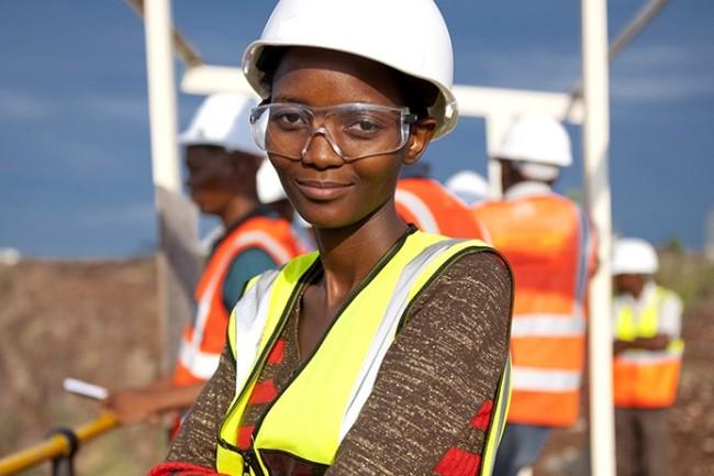 Photo of De Beers Mentoring Program Aims To Help 1,000 Businesses & Support 5,000 Jobs