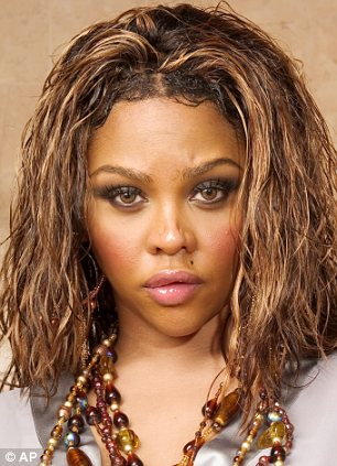 Photo of Lil Kim Is Being Investigated After A Los Angeles Robbery
