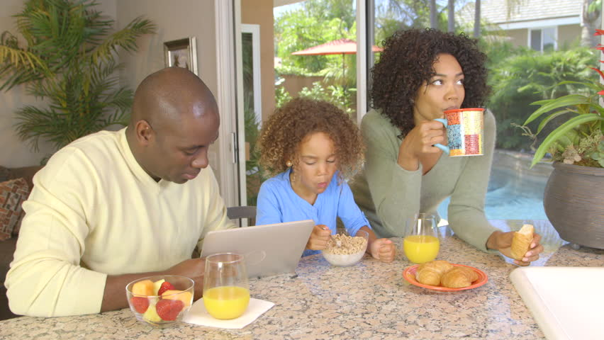 Photo of 5 Reasons Why You Should Never Skip Breakfast