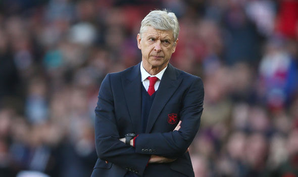Photo of Arsene Wenger Suggests His Longevity Is Being Used Against Him Amid Suggestions That He Should Leave