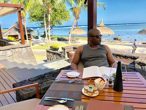 Photo of While BMD faces bumps Bruce takes a week out to Mauritius