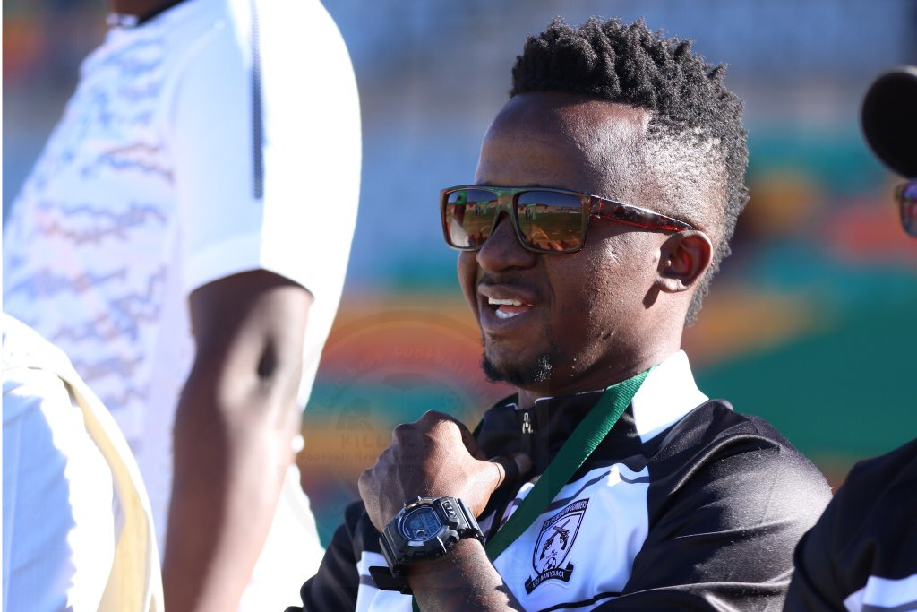 Photo of Watch pics of Pontsho Moloi on his first appointment as coach