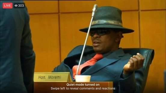 Photo of Kgosi Tawana hats the SONA off