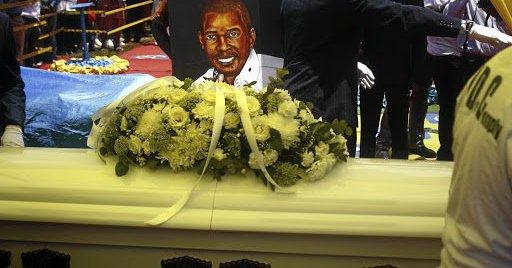 Photo of Botswana throng Dan Tshanda funeral