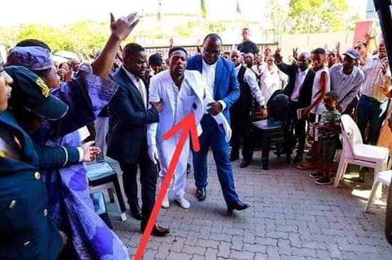Photo of Hilarious moment as Batswana bash the ressurection prophet