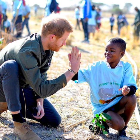 Photos From Prince Harry, and Meghan Markle Botswana Tour
