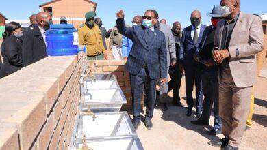 Photo of Vice President Mr Slumber TSOGWANE VISITS GHANZI COVID-19 TEAM